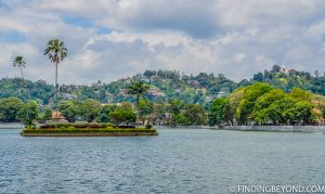 Kandy Lake, Sri Lanka. Top 5 Things to do in Kandy City in One Day.