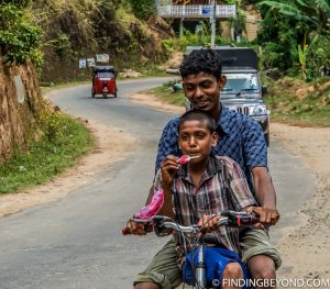 Local kids passing by. Mountains in Sri Lanka - Little Adams Peak: A Photo Journey