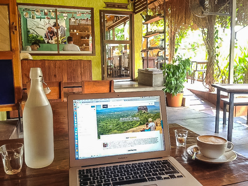 Being a digital nomad in a Chiang Mai coffee shop