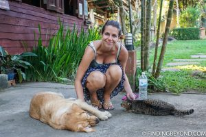 Shelley with the animals at Bannamhoo Bungalows Pai