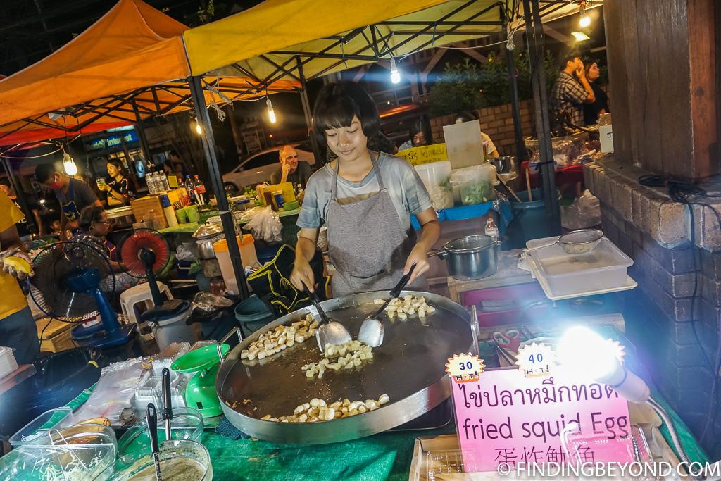 Kad Suan Kaew street food vendor in Chiang Mai