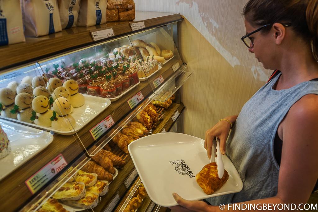 Hong Kong Street Food and Hong Kong Cheap Eats - Chinese Bakeries