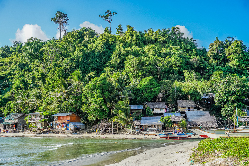 Fishing village at Alimanguan Beach on Long Beach San Vicente Palawan