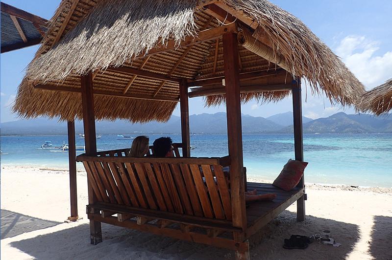 Murami restaurant beach pergola