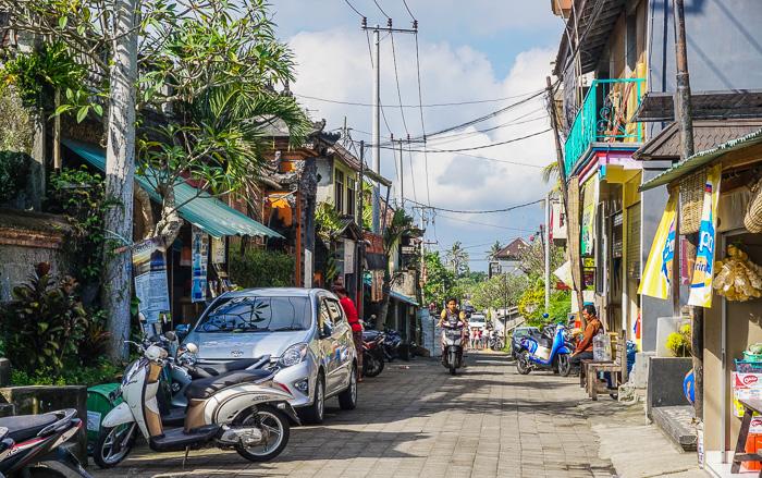 penestanan village street