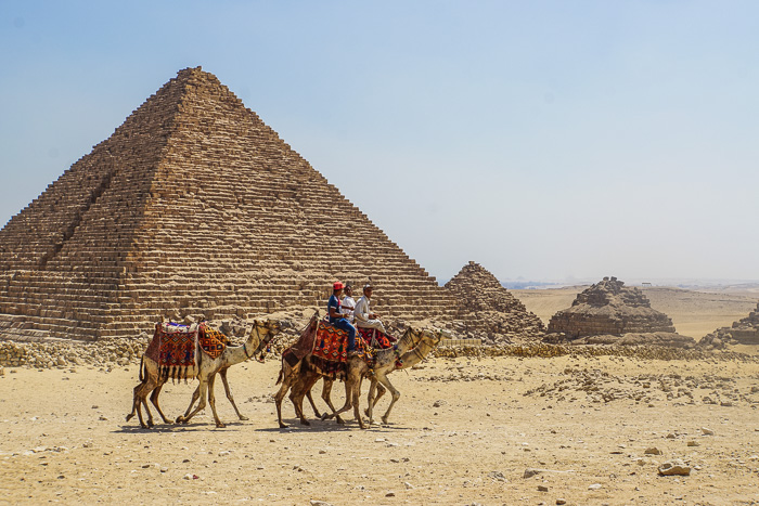 trip to see the pyramids of giza