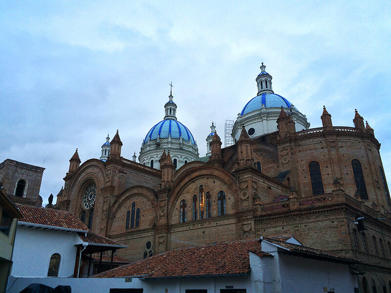 What-to-do-in-Cuenca-Ecuador-New-Cathedral
