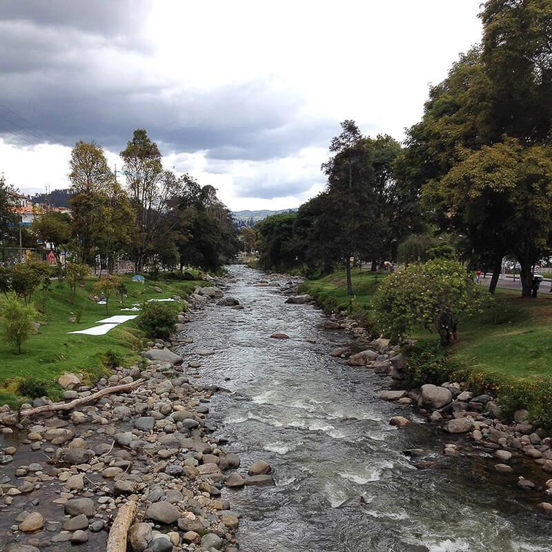 Cuenca-Ecuador-Rio-Tomebamba