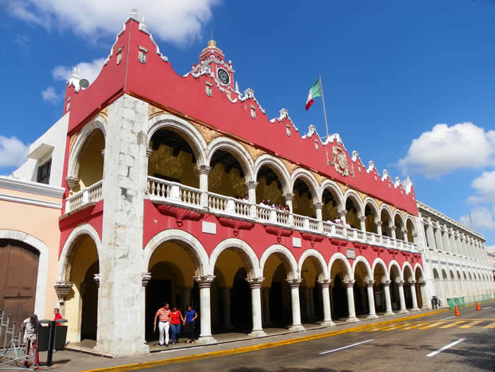 palacio municipal merida old town