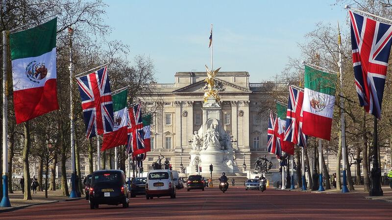 london buckingham palace royal mile
