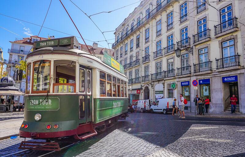 lisbon city tram