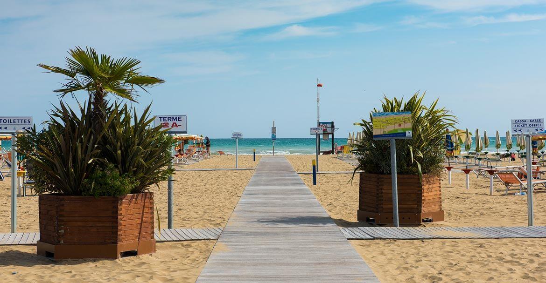 bibione beach walk
