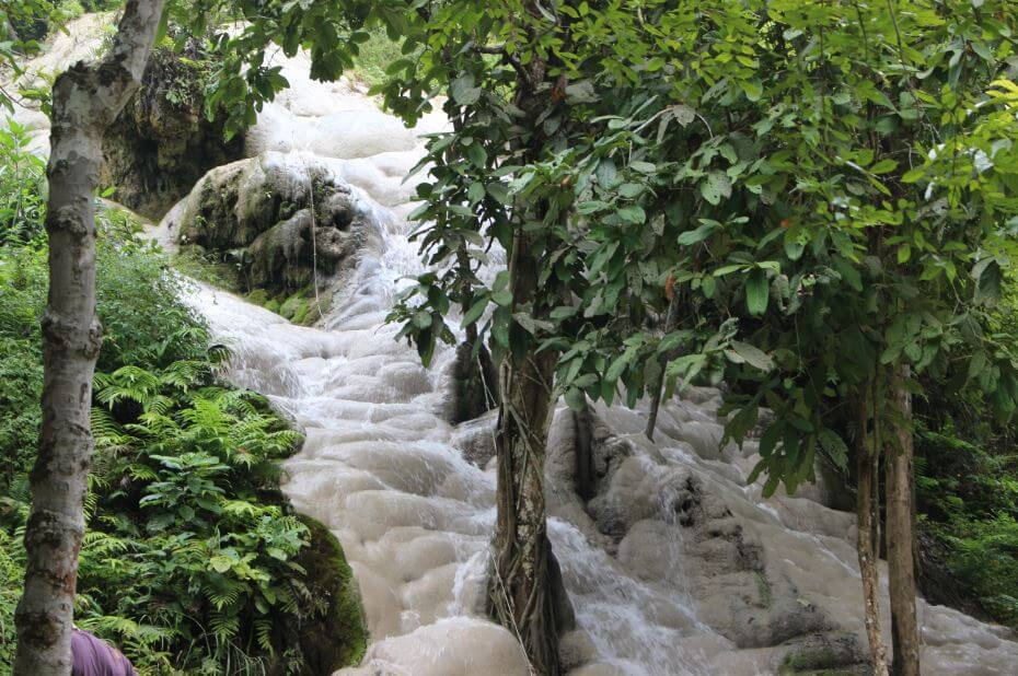 Sticky-waterfall-chiang-mai