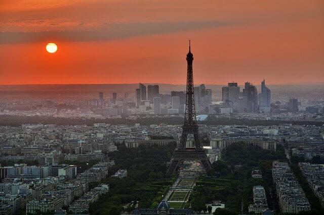 paris-843229_640